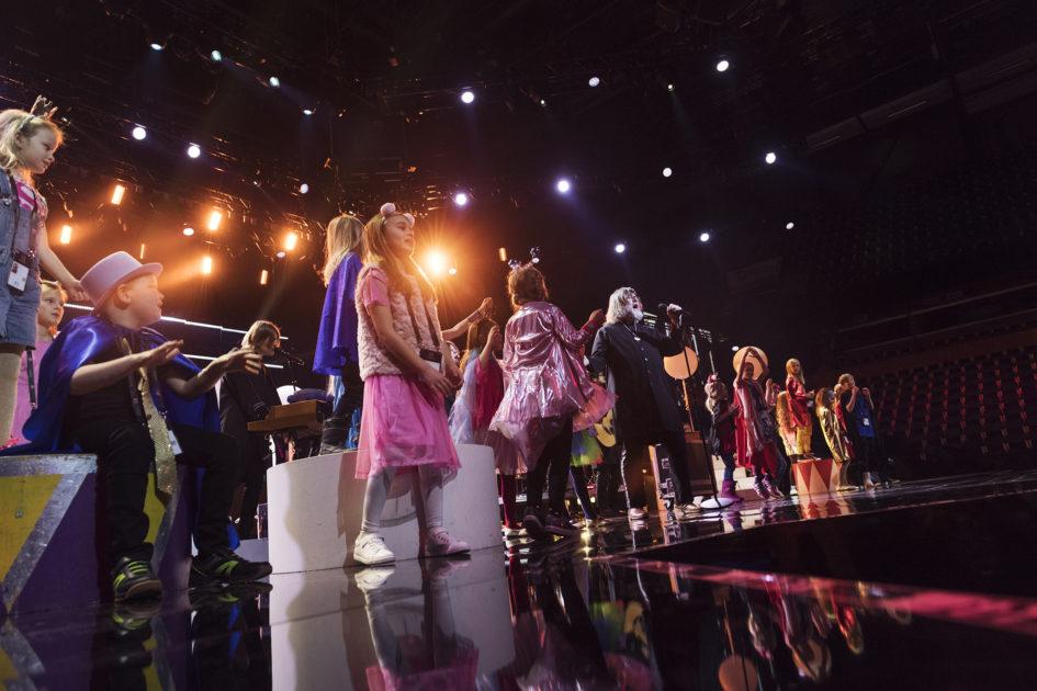Ebbot Lundberg och barnkör i Melodifestivalen 2018 – så blir mellanakten i Karlstad