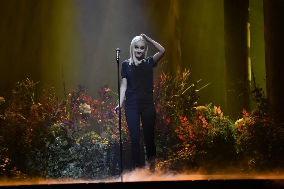 Anna Bergendahl har tidernas mest prunkande scen i Melodifestivalen