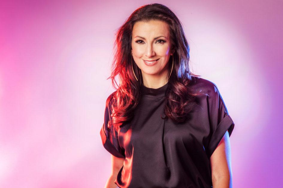 "Bidragsbibeln: Sonja Aldén med ""Sluta aldrig gå"" i Melodifestivalen2020"