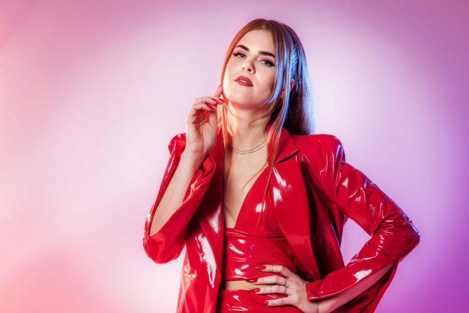 """Bidragsbibeln: Dotter med """"Bulletproof"""" i Melodifestivalen 2020"""