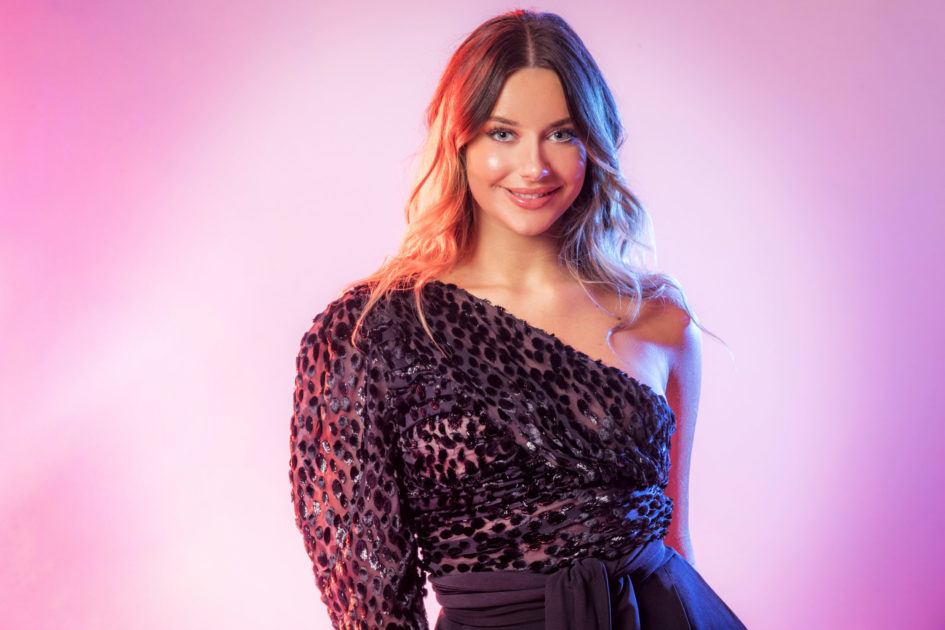 "Bidragsbibeln: Hanna Ferm med ""Brave"" i Melodifestivalen 2020"