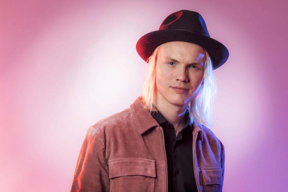 """Bidragsbibeln: Jakob Karlberg med """"Om du tror att jag saknar dig"""" i Melodifestivalen 2020"""