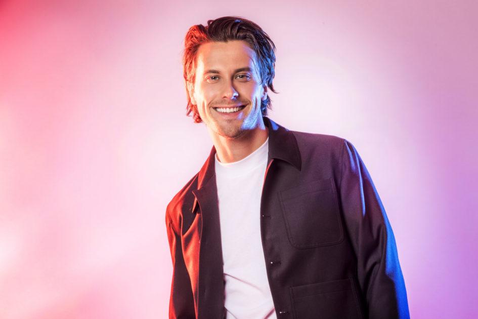 """Bidragsbibeln: Victor Crone med """"Troubled Waters"""" i Melodifestivalen 2020"""