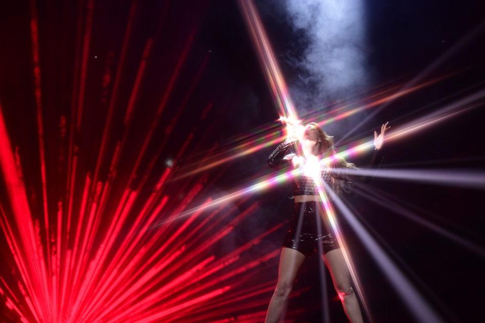 Internationell kross av Dotter inför finalen av Melodifestivalen 2020